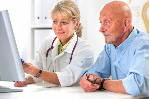 обсуждение процедур с врачом