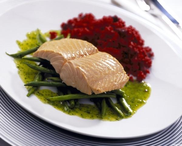 При простатите следует употреблять нежирное мясо и рыбу, приготовленные на пару