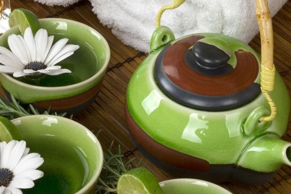 Заваренный китайский зеленый чай