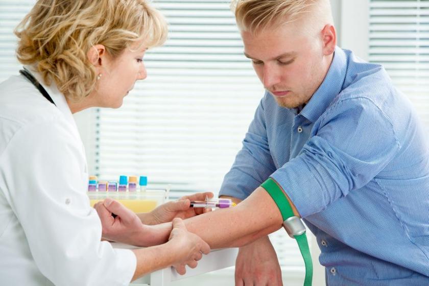 Анализ крови для определения уровня АлАТ