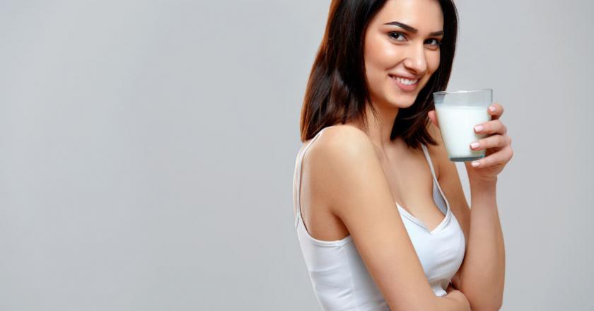 https://cdn.medme.pl/zdjecie/5090,840,440,1/Alergia+na+bia%C5%82ka+mleka.jpg