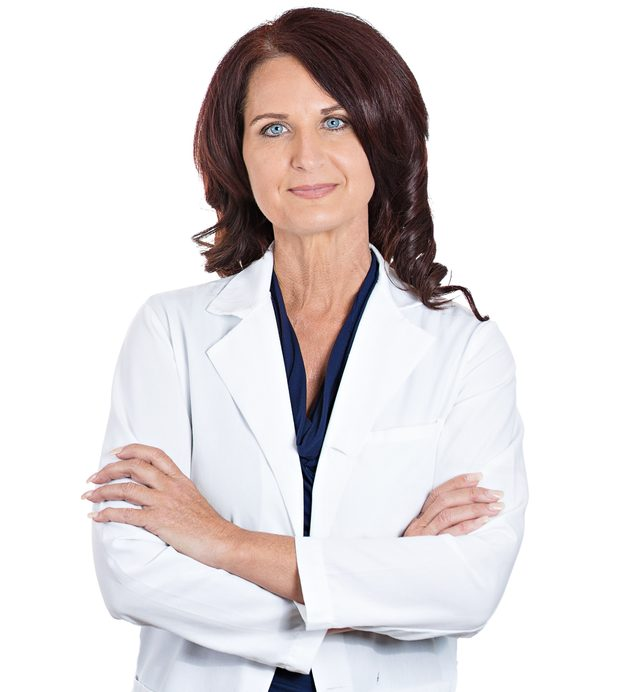 Третутник Людмила Владимировна - врач акушер, стаж 46 лет.