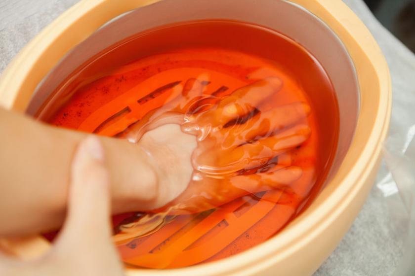 Парафиновая процедура для рук и ног
