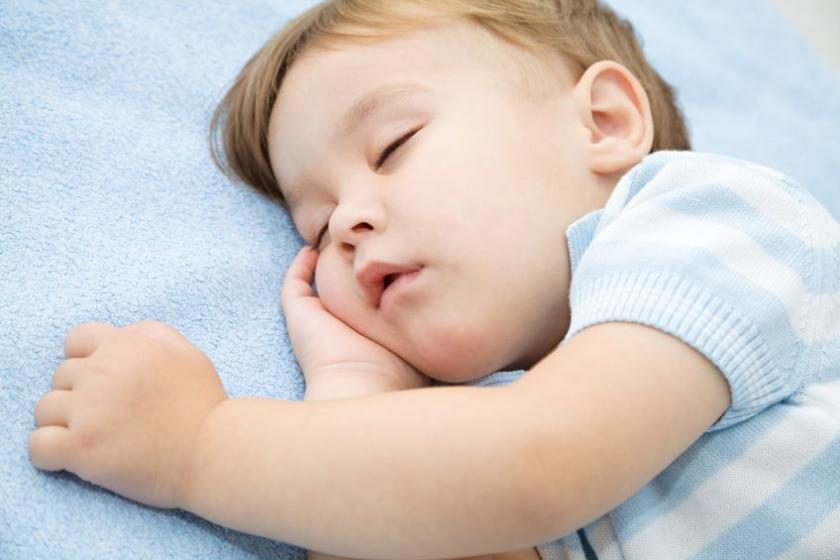 Ребенок с проблемами дыхания