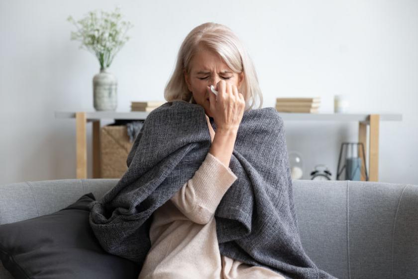 Женщина со слабым иммунитетом