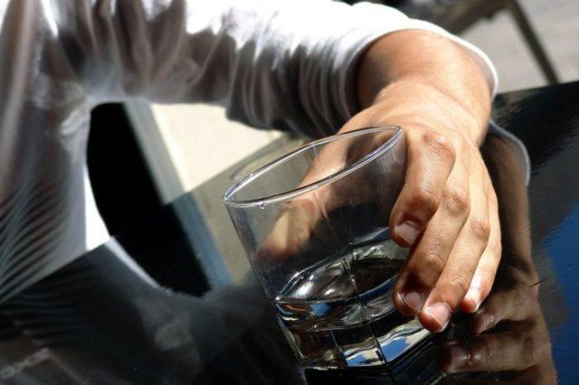 Икота после алкоголя: как остановить, причины возникновения